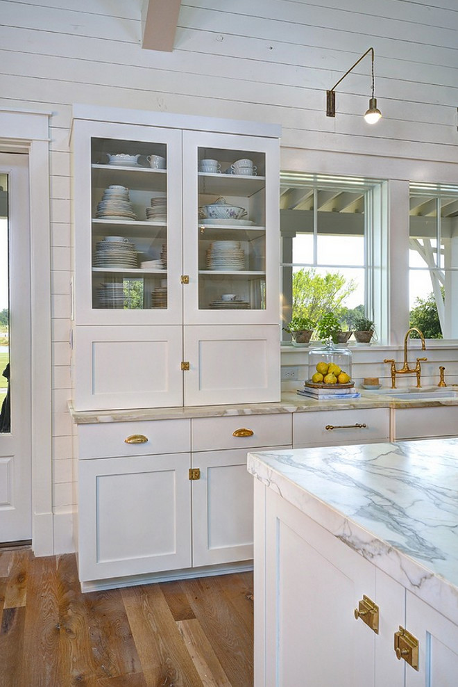 Coastal Farmhouse Kitchen Trend
