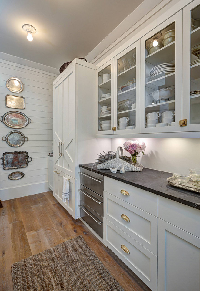 Wall paint color is similar to Benjamin Moore White Dove and white cabinet paint color is Milk White by Pratt and Lambert #whitepaintcolor #cabinetpaintcolor #BenjaminMooreWhiteDove