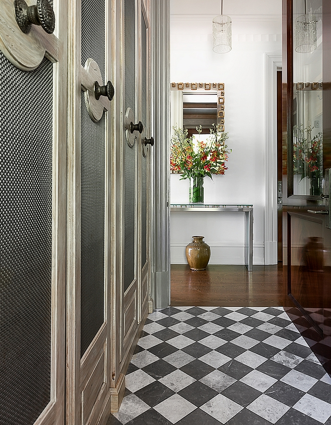 Mudroom Traditional Mudroom Traditional Mudroom Flooring Traditional Mudroom Ideas Traditional Mudroom Design #TraditionalMudroom