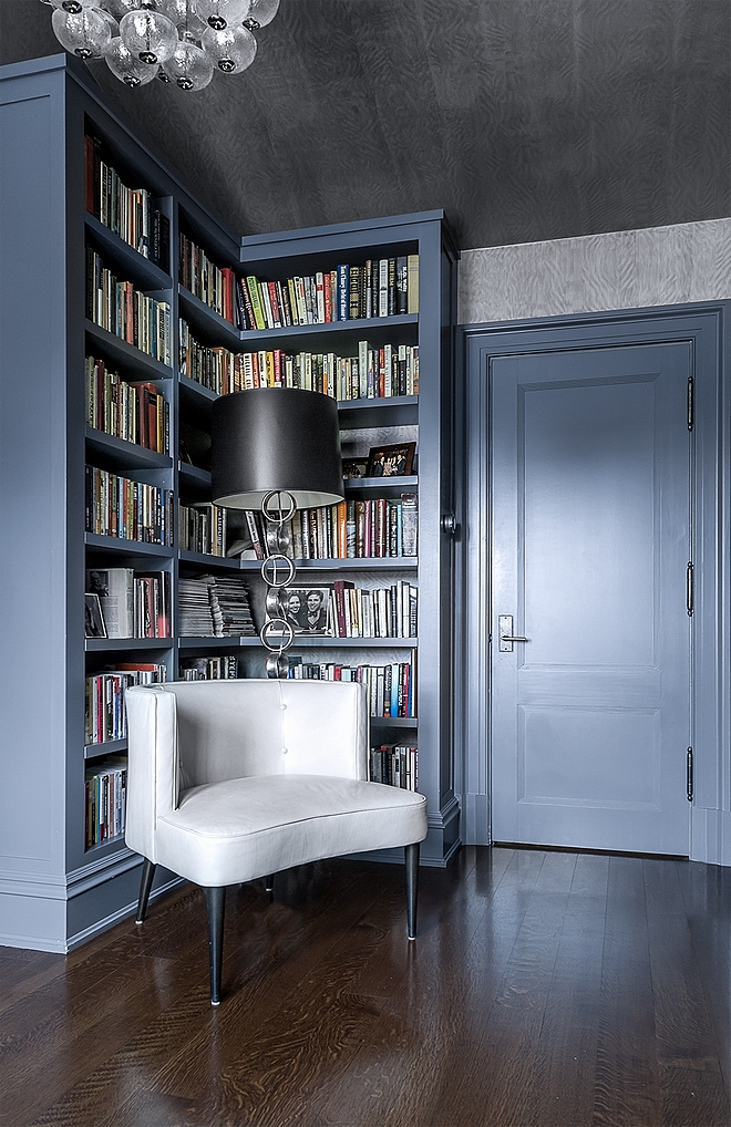 Small Library reading nook #smalllibrary #readingnook