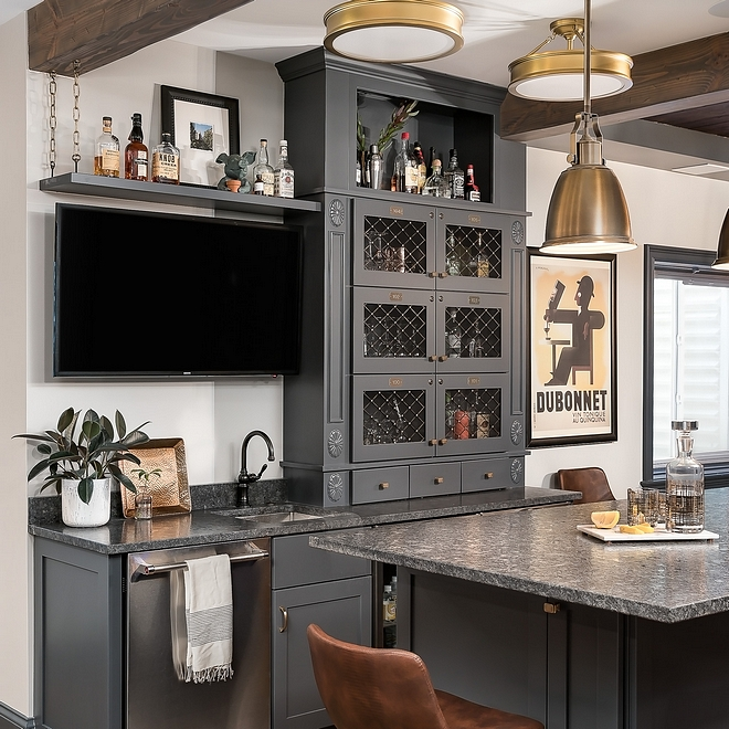 Bar Sink and faucet source on Home Bunch blog #sink #faucet #bar
