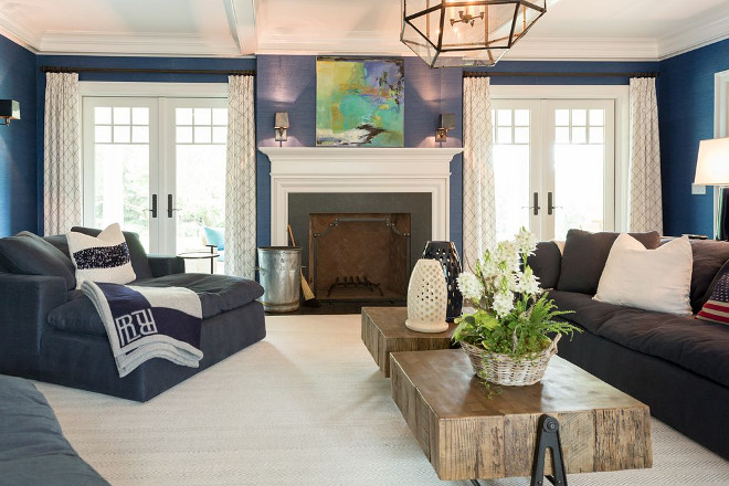 Blue and white family room Gorgeous Blue and white family room all sources on Home Bunch #Blueandwhite #familyroom