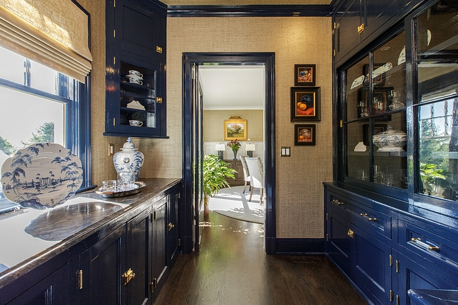 High-gloss Navy Butler's Pantry High-gloss Navy Butler's Pantry High-gloss Navy Butler's Pantry High-gloss Navy Butler's Pantry #Highgloss #NavyButlersPantry