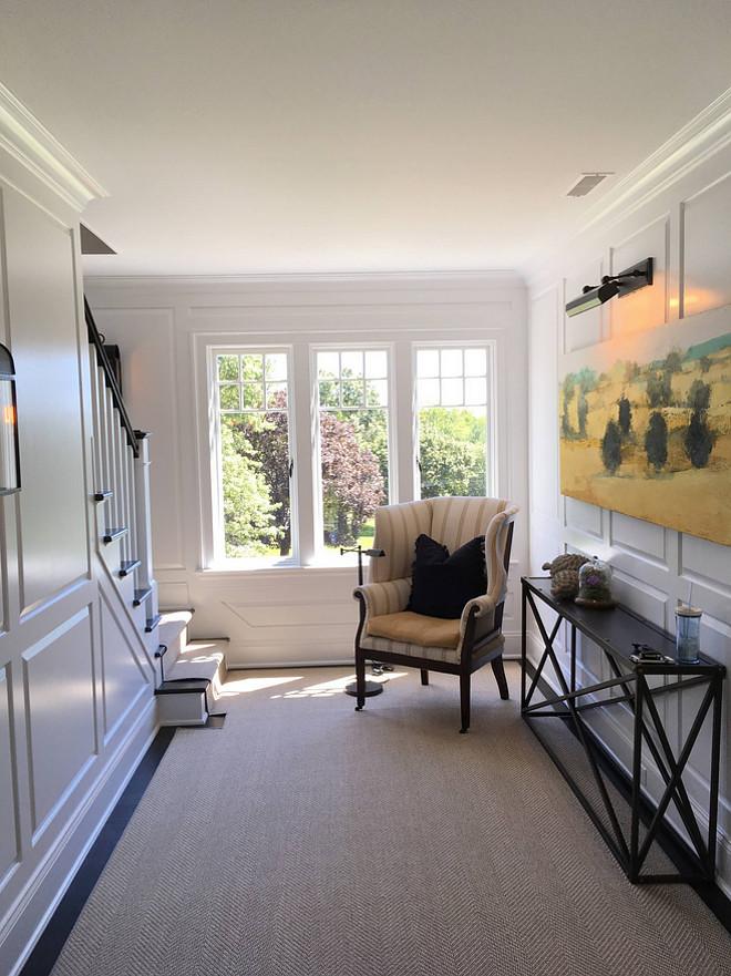 Hallway decor Hallway decor sources on Home Bunch #Hallwaydecor