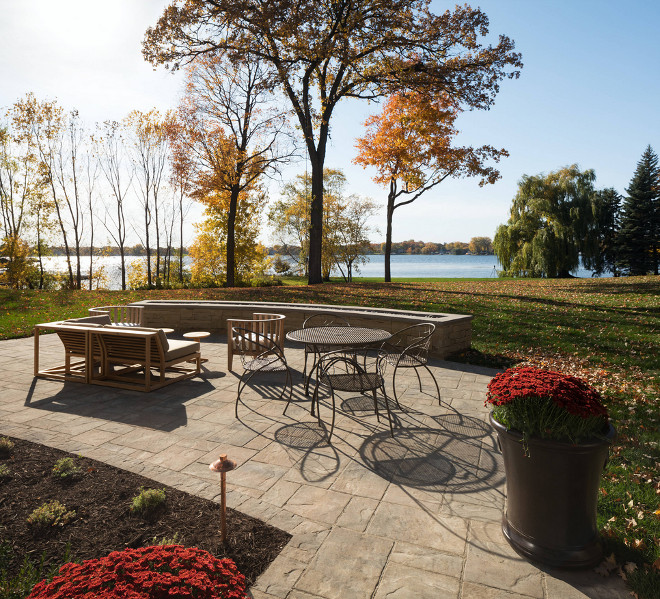 Lakehouse Patio Lakehouse Patio Ideas Lakehouse Patio source on Home Bunch Lakehouse Patio #Lakehouse #Patio