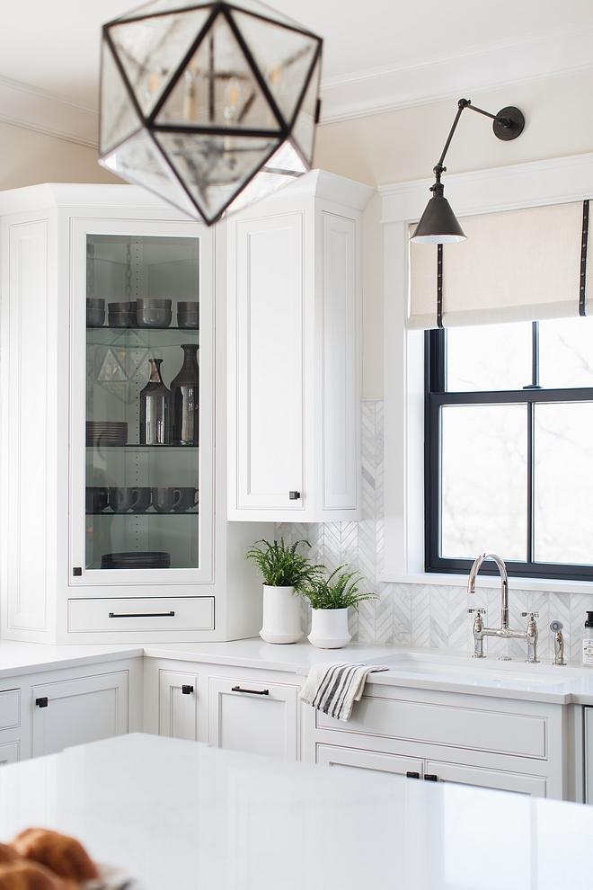 Benjamin Moore Classic Gray Kitchen Wall Color #BenjaminMooreClassicGray