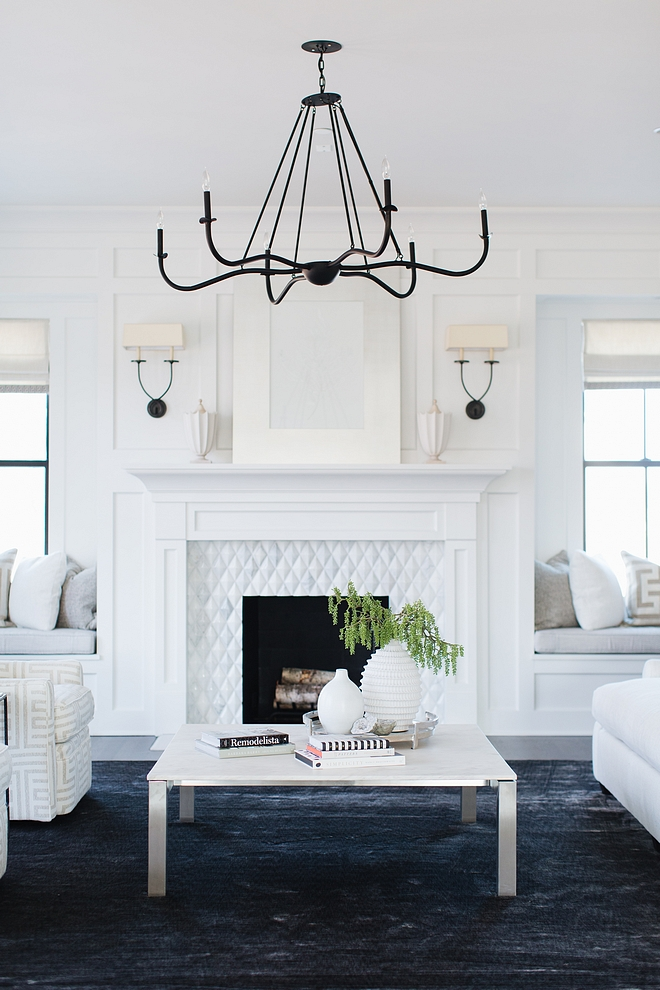Living Room Chandelier Living Room Chandelier source on HomeBunch Living Room Chandelier #LivingRoomChandelier #LivingRoom #Chandelier