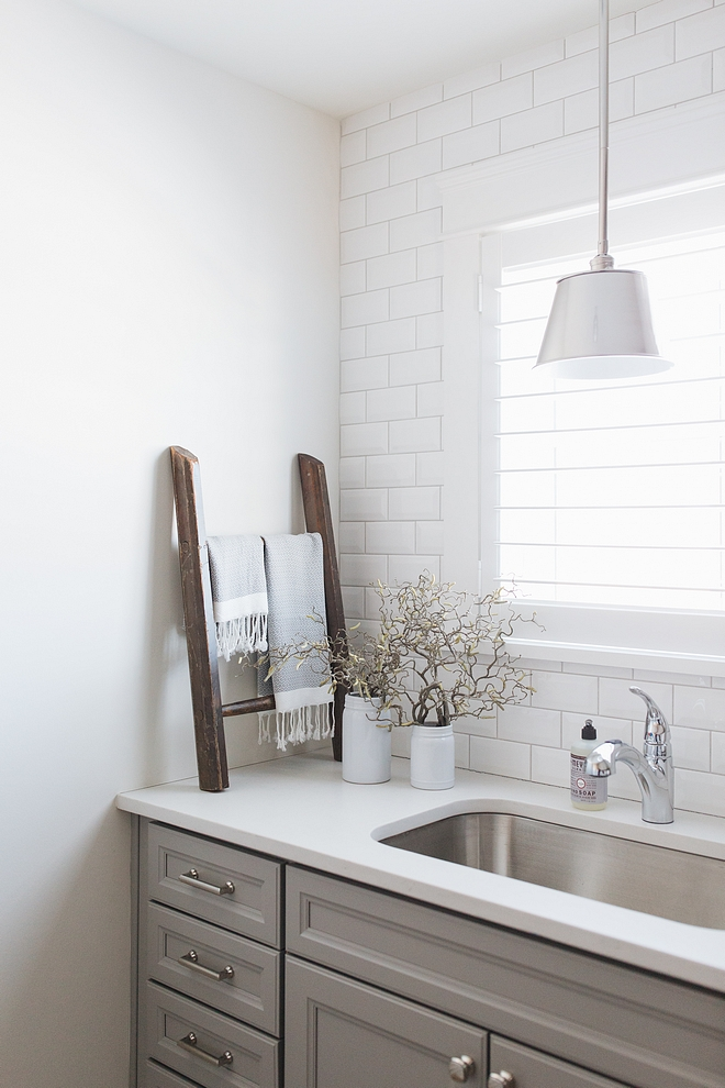 Laundry Room Lighting Laundry Room Lighting source on Home Bunch Affordable Laundry Room Lighting #LaundryRoomLighting #LaundryRoom #Lighting