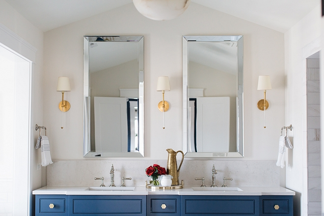 Bathroom paint color on Home Bunch #bathroompaintcolor