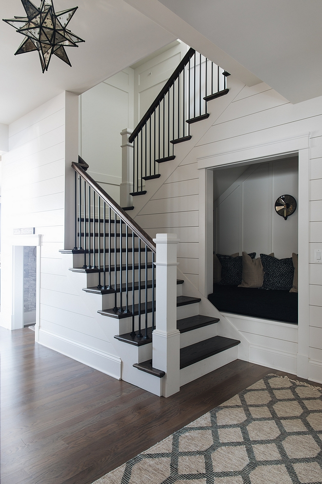 Staircase Nook Staircase Reading Nook sources and details on Home Bunch Staircase Nook Staircase Nook #Staircase #Nook