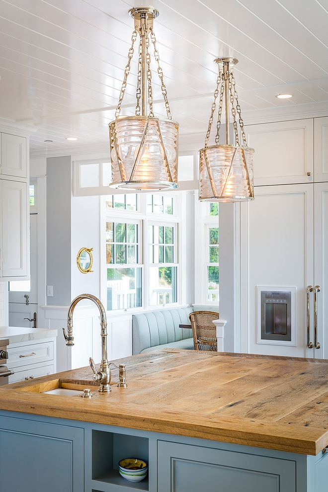 Kitchen island with reclaimed wood countertop and Visual Comfort Ralph Lauren Home Chatham Lantern Pendants #kicthenisland #pendants #islandlanterns #VisualComfort RalphLaurenHomeChathamLantern