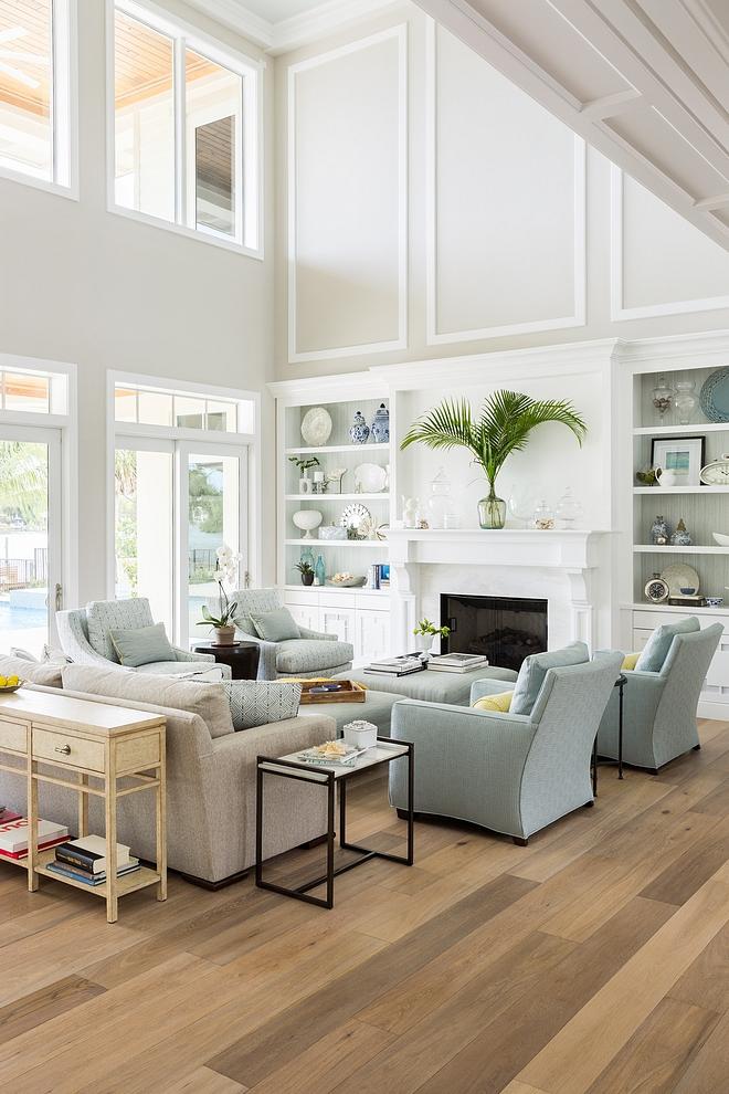 Living Room Hardwood Floor Living Room Hardwood Flooring Living Room Hardwood Floor source on Home Bunch #LivingRoom #HardwoodFloor