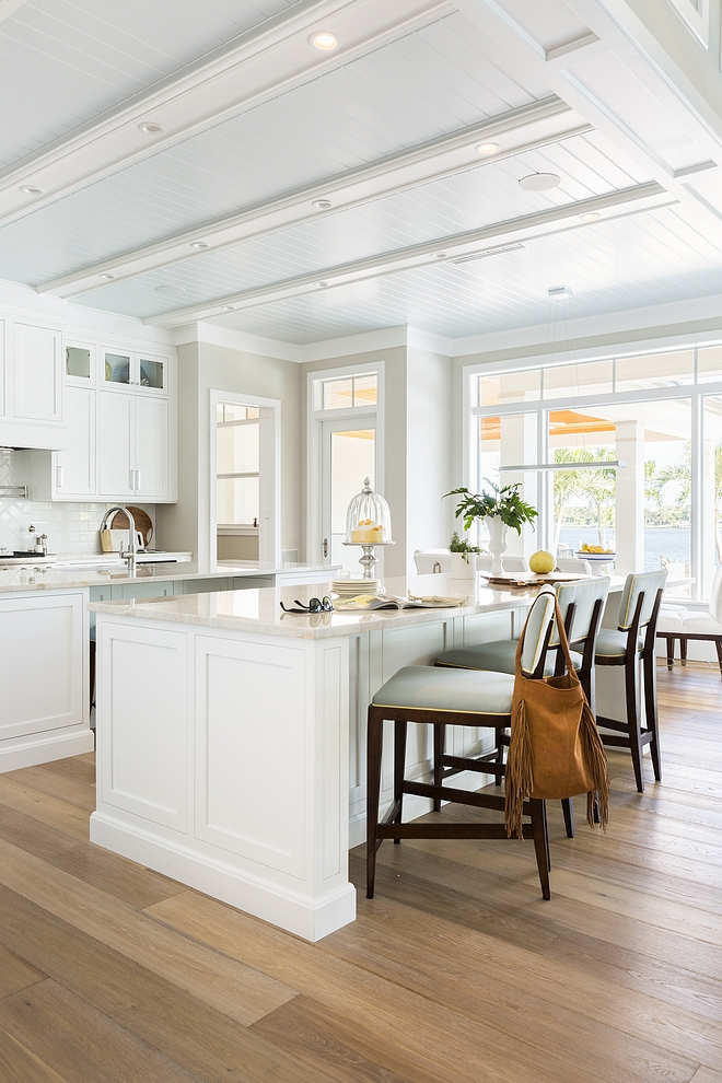 Beach House Kitchen Neutral Beach House Kitchen Beach House Kitchen Sources on HomeBunch #BeachHouseKitchen #BeachHouse #Kitchen