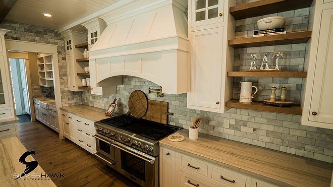 Benjamin Moore Simply White Kitchen paint color works great with white quartzite countertop and white marble backsplash more sources on Home Bunch