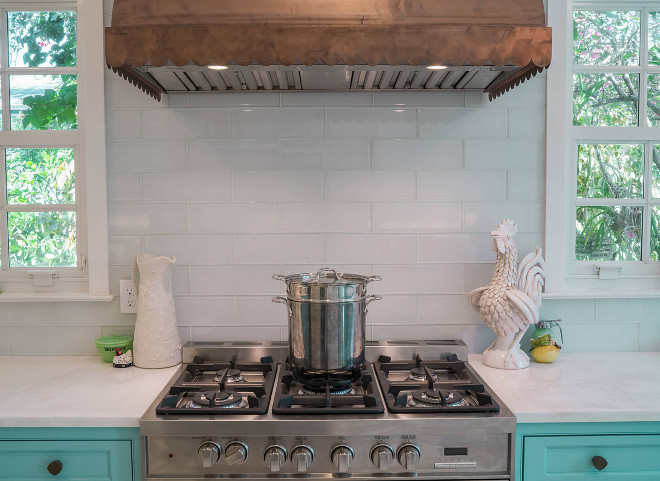 Glass Tile Backsplash Glass Tile Backsplash source on Home Bunch Affordable and easy to clean Glass Tile Backsplash #GlassTile #Backsplash