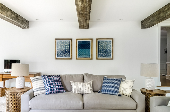 Framed textiles art Blue and white Framed textiles art source on Home Bunch #Framedtextiles #framedart