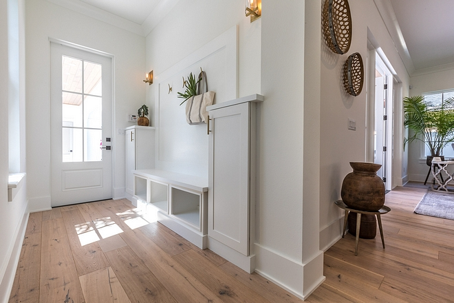Benjamin Moore Simply White: Home Bunch Interior Design