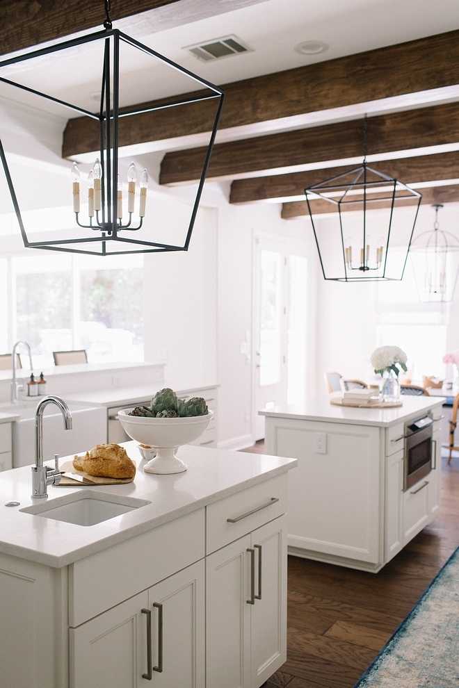 White Dove by Benjamin Moore on kitchen cabinet and ceiling White Dove by Benjamin Moore White Dove by Benjamin Moore #WhiteDovebyBenjaminMoore